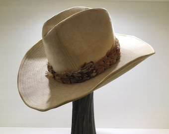 25d8f60d71b 70s beige western cowboy hat   vintage yellow feather felt wide brim hat