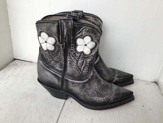 70s black cowboy boots 6 / vintage floral embroide