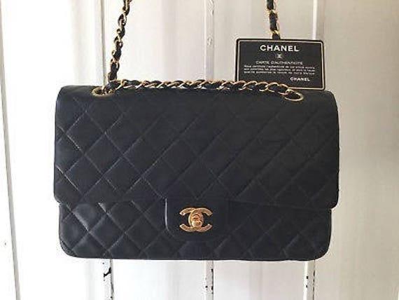 Vintage Sac Chanel   90 s sac en cuir sac à main Chanel   Etsy c7d871c0da3