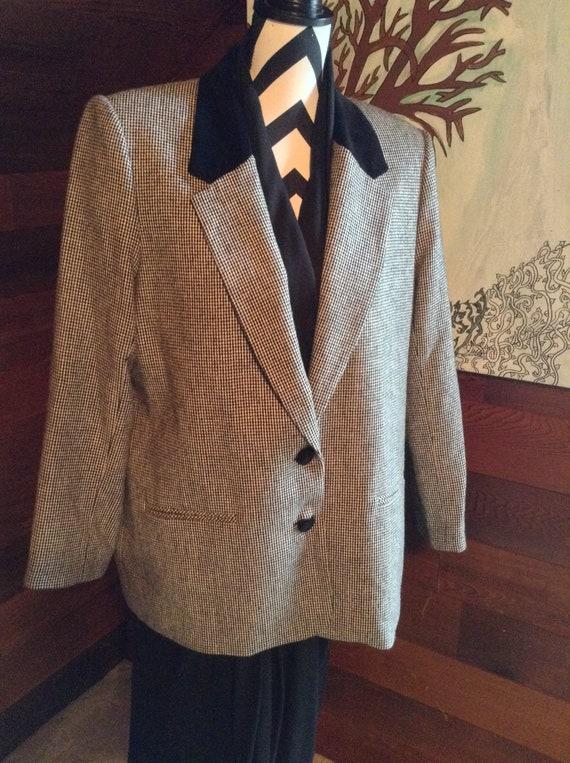 27fb049ec24 Vintage Women s Wool Blazer Velvet Collar Blazer Plus