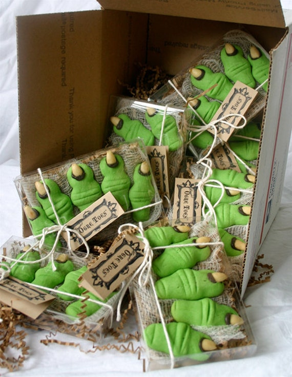 12 Five Toe Gift Boxes Of Halloween Shrek Party Cookies Etsy