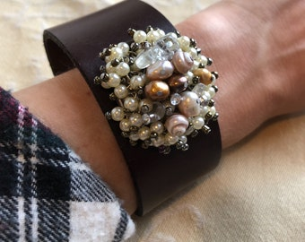 Leather Cuff Bracelet Women, upcycled leather Belt Bracelet, Pearl leather cuff, Belt Cuff, Embellished cuff, Modern, Casual, Boho Jewelry