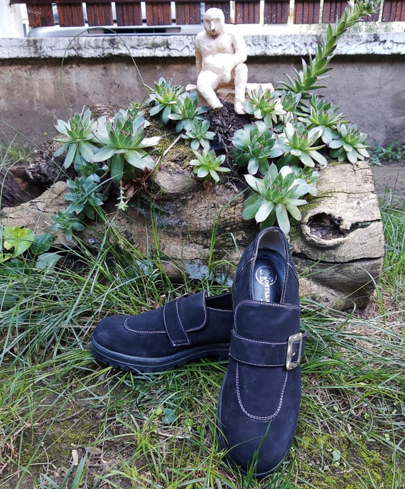 Witchy Shoes - Vintage Chunnky Buckle Shoes//70s B