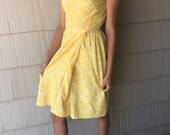 1950s Handmade Yellow Crepe Floral Wiggle Pencil Dress XS S