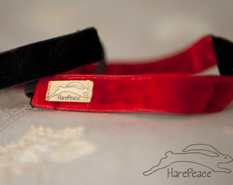 No Slip Headband Velvet REVERSIBLE Black & Red