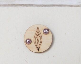Glittered Vagina Pin Mature Female Genitalia Lapel Pin Vagina Brooch Wooden Art Laser Cut Vulva Tie Tack Glitter