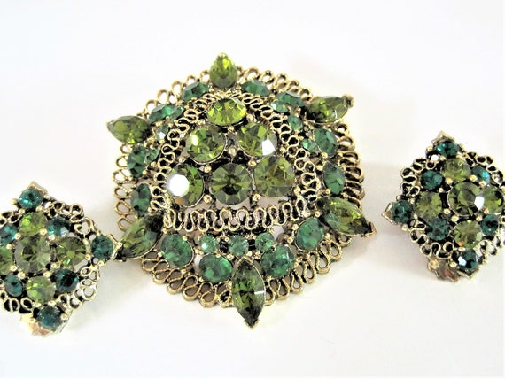 Green Peridot Rhinestone Jewelry Set, Gold Scrollwork, Green Peridot Stones, Dome Shaped, Elegant Set