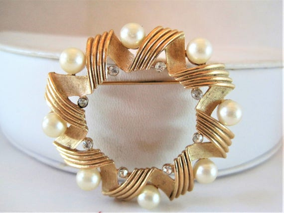 Crown Trifari Brooch, Faux Pearl Brushed Gold, Small Rhinestones, Vintage Wedding Pin