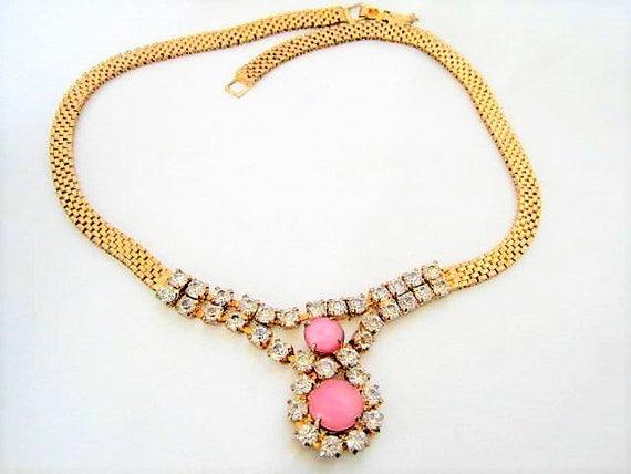 Art Deco Rhinestone Necklace - Pink Glass Cabochon - Gold Mesh Chain