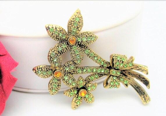 Green Rhinestone Brooch, Vintage Daisy, Citrine Centers,  3 Flowers Pin