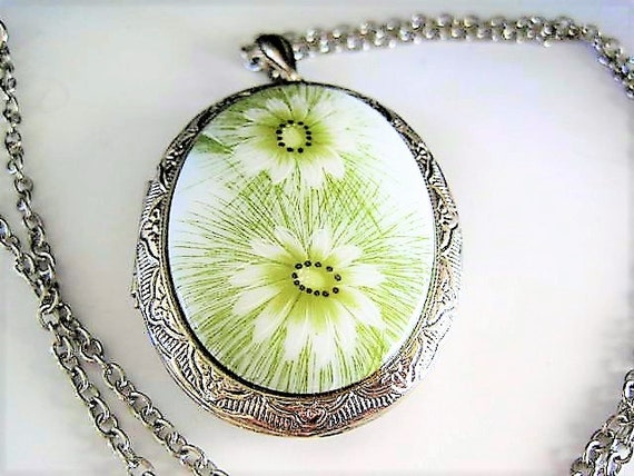 Silver Tone Locket and Chain, Porcelain Daisy Front, Embellished Silver Tone Back, Long Necklace