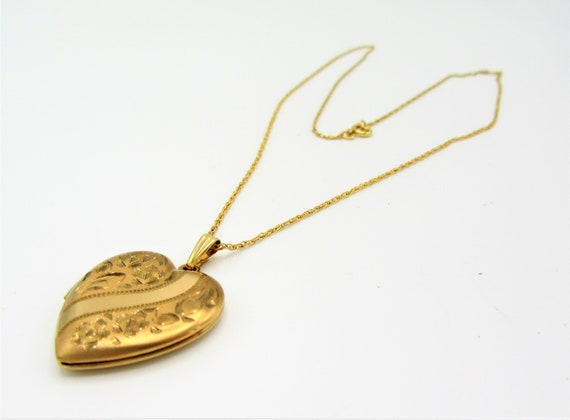 Art Deco Gold Filled Heart Locket and Chain,  14K