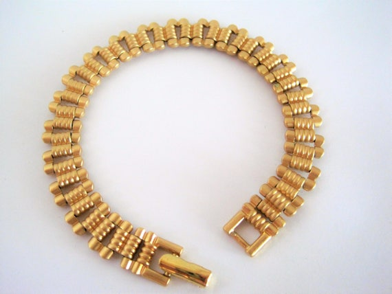 Monet Gold Bracelet,  Vintage Decorative Links, Signed Monet -  Foldover Clasp