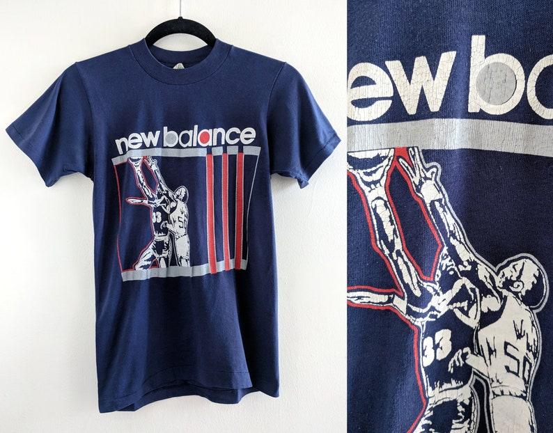 1566519471e8b 80s New Balance Soft and Thin Basketball Navy Blue T-Shirt - Size Small