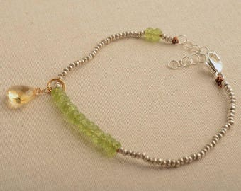 Chakra Bracelet, Peridot Bracelet, August Birthstone, Healing Gemstone Jewelry, Healing Gemstone Bracelet, Yoga Bracelet