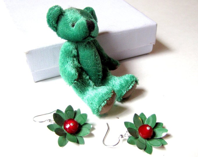 Emerald Green and Ruby Red Flower Earrings from Recycled Soda Cans