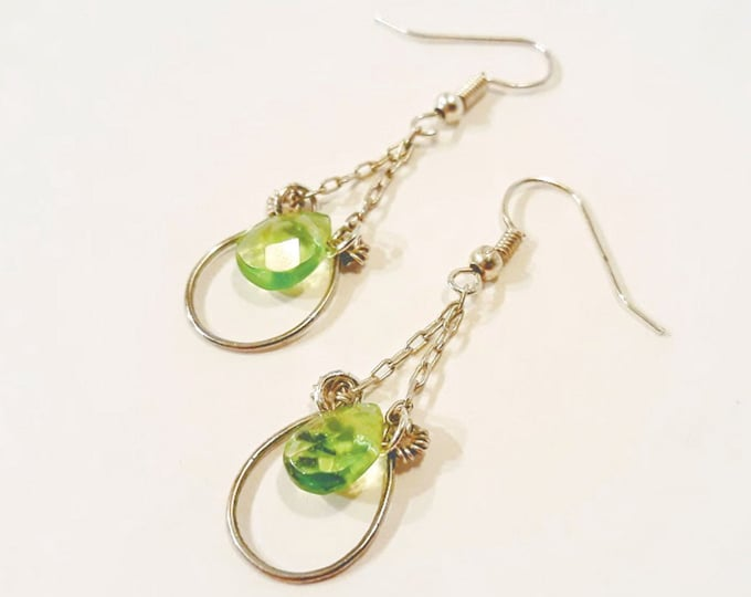 Green Teardrop Earrings, Silver Chain Dangle Earrings, Victorian Style Green Briolette Drop Earrings