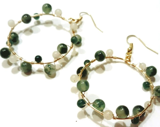 Champagne Bubbles Big Hoop Earrings with Green and White Agates on Gold Hoop Wires, Unique Hoop Earrings, Big Hoops