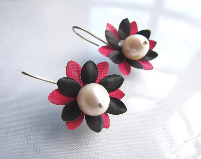 Pink and Black Flower Earrings with Gorgeous Pearls from Recycled Soda Cans