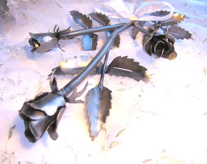 Rose Metal Art Sculpture Handmade from Recycled Metal, Everlasting Rose, Metal Roses, Rosebuds, Long Stem Roses Sculpture