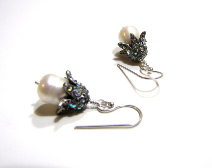 Crystal and Pearl Earrings Wedding/ Anniversary/ Party/ Gift