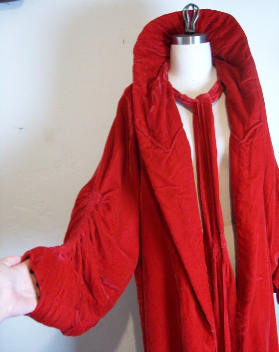 Rare 1930s Vivid Red Silk Velvet Cocoon Coat!