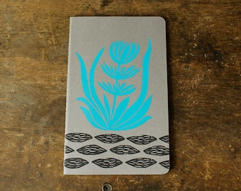 Blue Flower cahier journal, large, lined, gray