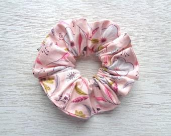 Floral Scrunchie, Flower Scrunchie, Pink Scrunchie, Boho Scrunchie, Hair Accessory, Hair Elastic, Women Scrunchie, Girl Scrunchie, Gift Idea