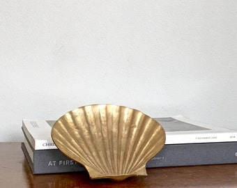 Small Vintage Brass Clamshell Dish Gold Shell Change Trinket Tray Nautical Coastal Chic