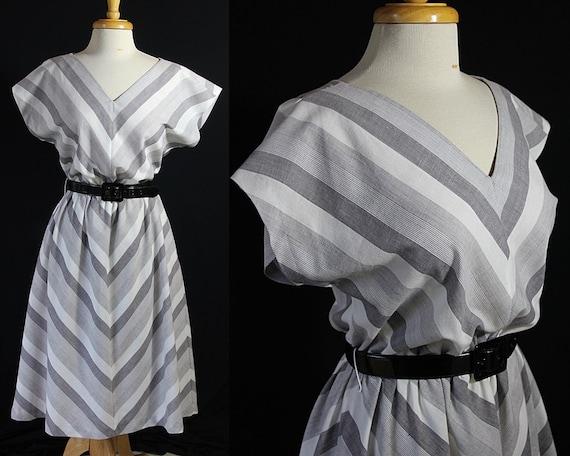 70s Does 50s Dress, Chevron, Dolman Sleeve, Jennif