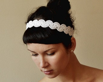 BRIDAL HAIR BAND wedding hair accessory crochet lace lacy oryginal and delicate retro style white or cream color headpiece bridal hair