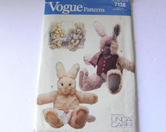 UNCUT Boy & Girl Bunny Rabbit Pattern Linda Carr Vogue 7138 Easter Craft