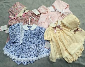 Vintage baby dress V30