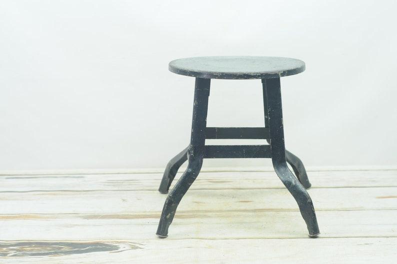 Cool Vintage Antique Metal Industrial Milking Stool Chippy Paint Short Metal Stool Lamtechconsult Wood Chair Design Ideas Lamtechconsultcom