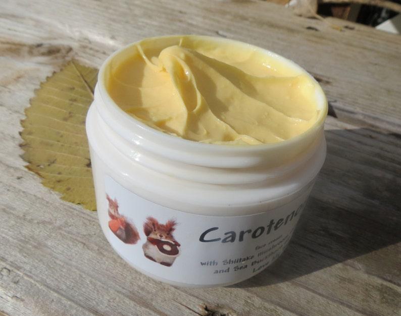 Carotenoid face cream with Shiitake mushroom extract Chrysanthemum extract,  Ginseng extract, anti-aging cream  moisturizer