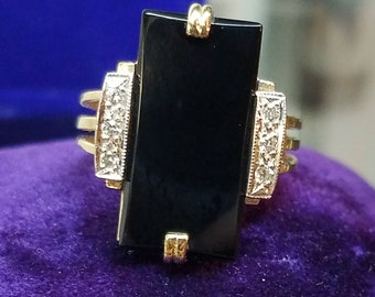 1980s Era Stately 14K Yellow Gold Onyx Diamond Ring