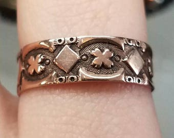 Victorian 10K Rose Gold Band