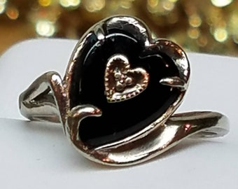 Vintage 10K White Gold Onyx Diamond Heart Ring