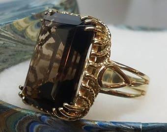 KAPOW 1960s Era 10K Yellow Gold Smoky Quartz Ring