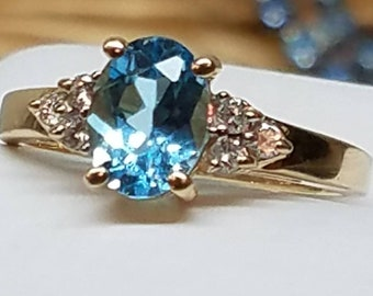 Vintage 14K Yellow Gold Blue Topaz Diamond Ring