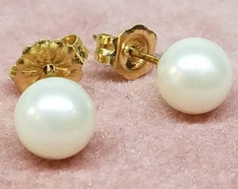 Vintage 14K Yellow Gold Pearl Stud Earrings