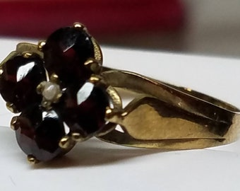 Antique 9K Yellow Gold English Garnet Seedpearl Ring