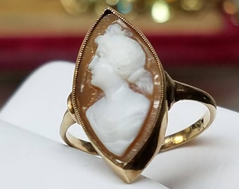 Vintage 14K Yellow Gold Cameo Navette Ring