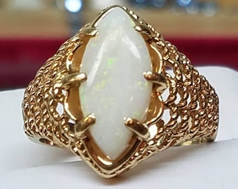 Vintage 14K Yellow Gold Opal Basketweave Ring