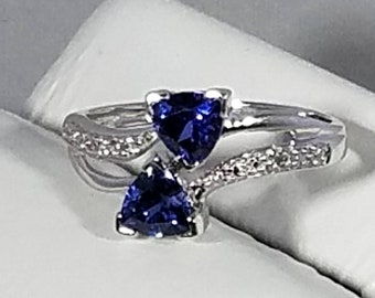 Vintage 10K White Gold Cultured Sapphire Diamond Ring