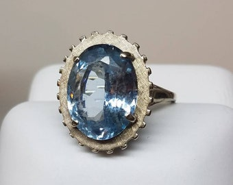 Retro 14K White Gold Blue Topaz KAPOW Ring