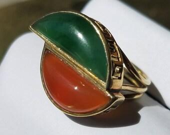 Vintage 14K Yellow Gold Carnelian Jade Greek Key Ring