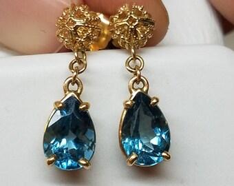 Vintage 14K Yellow Gold London Blue Topaz Dangle Earrings