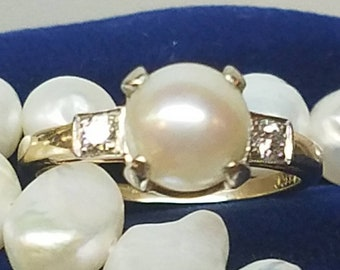 Vintage 14K Yellow Gold Diamond Pearl Ring