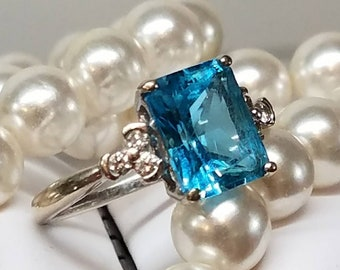 Vintage 14K White Gold Blue Topaz Diamond Ring